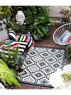 Outdoor rug - via DTLL.