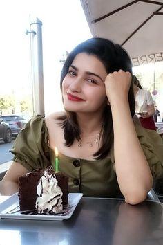 Indian Bollywood Actress, Bollywood Fashion, Indian Actresses, Prachi Desai Hot, Beautiful Girl Body, Muslim Girls, Gorgeous Makeup, Bollywood Celebrities, Photography Women