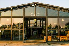 Csarnok homlokzat / Industrial hall facade Facade, Industrial, Exterior, Mansions, House Styles, Home Decor, Decoration Home, Manor Houses, Room Decor