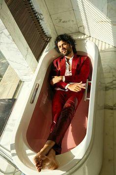 South Hero, Vijay Devarakonda, Funny School Jokes, Popular Art, Celebs, Celebrities, Teen Fashion Outfits, India, Actors