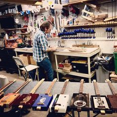 Mike Snowden (@snowdenguitars) • Instagram photos and videos Cigar Box Guitar, Guitars, Photo And Video, Videos, Photos, Instagram, Home Decor, Pictures, Interior Design