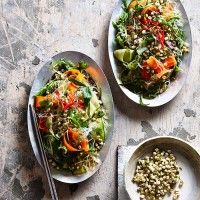 Vietnamese mung bean sprout salad: This nourishing gluten-free dish is the ultimate way to welcome the warmer months. Recipes With Mung Beans, Vegan Bean Recipes, Bean Sprout Recipes, Healthy Salad Recipes, Raw Food Recipes, Vegetarian Recipes, Healthy Food, Yummy Food, Bean Sprout Salad