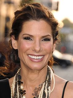 How-To: Sandra Bullock's Tousled and Teased Ponytail