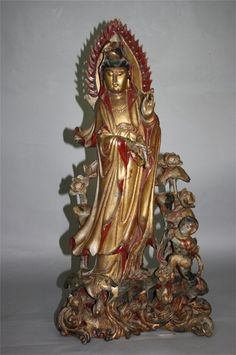 Chinese Wood Carved Figure of Guan-Yin 20th Century N : Lot 107