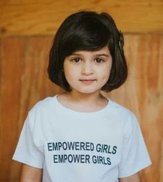 Tee: PS- Scout is majorly overdue for a trim 😂🤦🏻♀️ Pretty Little Girls, Cute Little Baby, Chubby Babies, Cute Babies, Office Looks, Baby Girl Haircuts, Cute Quotes For Kids, Cute Baby Girl Pictures, Cute Kids Photography