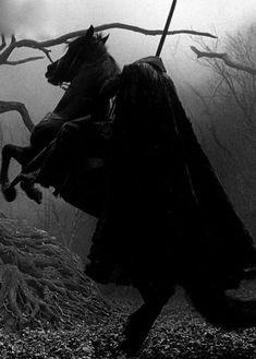 """""""Nightmare, 9 days until Halloween ! Sleepy Hollow 1999, Legend Of Sleepy Hollow, Throne Of Glass, Fantasy World, Dark Fantasy, Film Tim Burton, Days Until Halloween, Arte Obscura, Halloween Pictures"""
