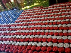 patriotic cupcakes   July 4, 2010 – United States Independence Day