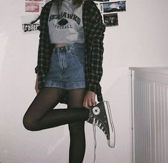 44 Outstanding Grunge Outfits Ideas For Women Street Style Outfits, Punk Outfits, Teen Fashion Outfits, Mode Outfits, Casual Outfits, Girl Outfits, Cute Goth Outfits, Hipster Outfits, Vintage Outfits