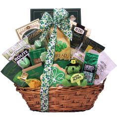 Luck O' The Irish ~ Large: St. Patrick's Day Gourmet Gift Basket: Amazon.com: Grocery & Gourmet Food