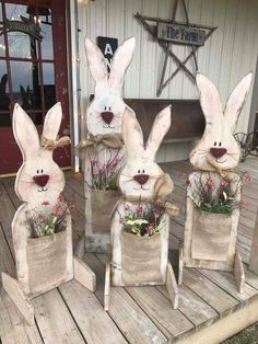 Celebrate Easter & Spring season with an outdoor decor. From Porch decoration to door decoration ot Yard decor, get best DIY Easter Outdoor Decor ideas here Spring Crafts, Holiday Crafts, Thanksgiving Crafts, Halloween Crafts, Wooden Crafts, Diy And Crafts, Diy Crafts For Easter, Beer Crafts, Room Crafts
