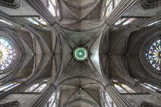 Basílica del Voto Nacional by Carlos Sirfierro on 500px