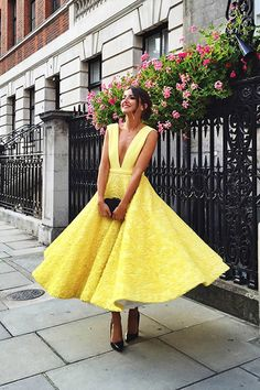 2018 Yellow Prom Dresses, Elegant Ankle Length Prom Dresses, Yellow Evening Dresses Graduation Dresses - 2018 yellow prom dresses, elegant ankle length prom dresses, yellow evening dresses graduation dresses Source by nikkiiamme - Yellow Evening Dresses, Yellow Gown, Yellow Lace, Yellow Dress Wedding, Yellow Formal Dress, Lace Wedding, Trendy Wedding, Bright Yellow, Lemon Yellow