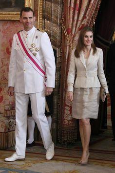 A pocos días de ser reina - La evolución de Letizia en el Día de las Fuerzas Armadas
