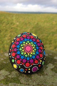 Handgemalte Mandala Stein von IONA von SacredStonesIona auf Etsy