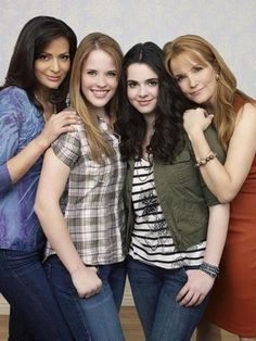 Switched at birth cast (In case you are wondering I am more of a Bay Fan than a Daphne Fan...)