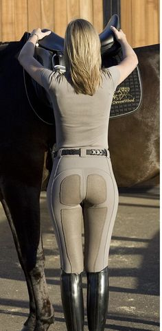 The most important role of equestrian clothing is for security Although horses can be trained they can be unforeseeable when provoked. Riders are susceptible while riding and handling horses, espec… Equestrian Chic, Equestrian Outfits, Equestrian Fashion, Jodhpur, Riding Breeches, Horse Fashion, Fashion Boots, Riding Gear, Horse Riding Leggings