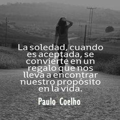 Muchas veces debemos caminar solos en la vida,porque quizá ,por mucho tiempo caminiamos al costado de alguien...y sintiendonos solos!!!!