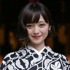 顔タイプ診断 〜安達祐実さん〜 | 顔タイプアドバイザー sayaka Japan Woman, Japan Girl, Yukata, Hair Makeup, Make Up, Lady, Hair Styles, Image, Beauty