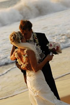 Picture idea perfect for a beach wedding