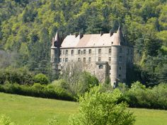 À proximité du gîte La Polonie : Le château de Lavoûte-Polignac http://gite-la-polonie.fr  #HauteLoire #Auvergne