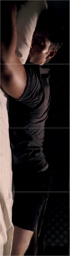 I'm not even sorry... 1x04 Phantom Traveler #SPN #Dean #SleepyDean ( Click through..)