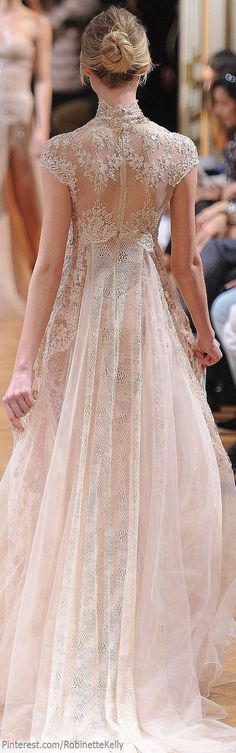 This is why Elie Saab is one of my all time favorite designers...