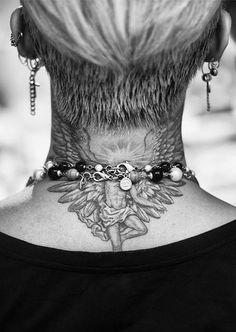 G-Dragon's neck tatt