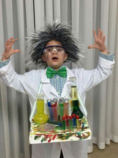 Mad Scientist Halloween Costume, Halloween Costume Props, Mad Scientist Party, Scary Costumes, Halloween Fun, Diy Costumes, Mad Scientist Fancy Dress, Costume Cupcake, Science Costumes