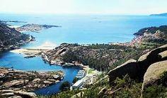 Amor a primera vista! Es lo que vas a sentir cuando visites la Cascada del Ézaro en la provincia de A Coruña. Un paisaje lleno de belleza natural.  #hotel #vacaciones #alojamiento #gastronomía #reservas #Galicia #hotelmarinovo #SantiagodeCompostela by hotelmarinovo