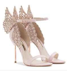 Hochzeitsschuhe Inspiration – Sophia Webster – B L U C H – Wedding Shoes Inspiration – Sophia Webster – B L U C H – Shoes Fancy Shoes, Pretty Shoes, Beautiful Shoes, Cute Shoes, Me Too Shoes, Sparkly Shoes, Blush Wedding Shoes, Designer Wedding Shoes, Designer Shoes Heels