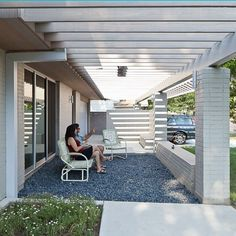 """front seating area- like the upside down """"L"""" shaped support on the left."""