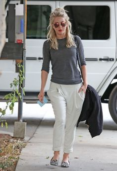 Julianne Hough Street Style – Leaves a Restaurant After Having Lunch With Friends – January 2014