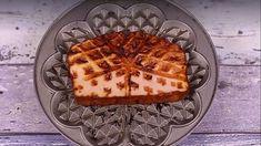 Scheibe Leberkäse im Waffeleisen gegrillt | Bild: bayern1.de Pizza Snacks, Yams, Waffles, Grilling, Food And Drink, Cooking, Breakfast, Desserts, Wok