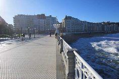 Barandilla y paseo de La Concha, con el #Hotel de #Londres e Inglaterra al fondo.