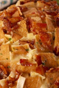Maple Bacon Brie Pull-Apart Bread
