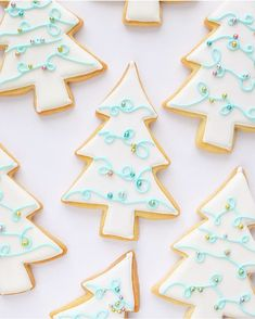 cinnamon sugar cookies Here are the best Christmas Cookies decorations ideas for your inspiration. These Christmas Sugar Cookies decorated with royal icing are cutest desserts. Christmas Wreath Cookies, Santa Cookies, Iced Cookies, Holiday Cookies, Cute Christmas Desserts, Christmas Goodies, Christmas Baking, Christmas Treats, Christmas Holiday