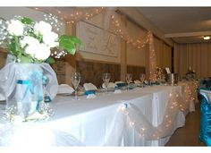 Head table White and Teal accents