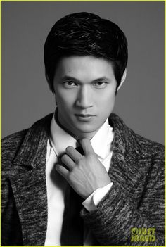Glee's Harry Shum Jr who plays Mike Chang on Glee recently did a photo shoot for Glamoholic Magazine . We think these pics are fabulous. They were all done in black and white! Harry you are hot,hot, hot!