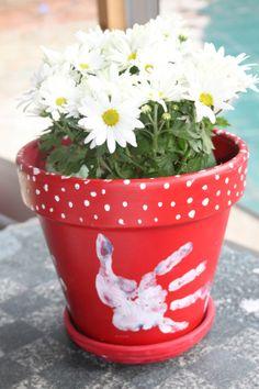 bloempot met handafdruk