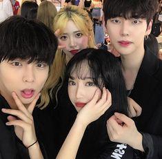 Women S Fashion Designer Brands Cute Friend Photos, Cute Friends, Korean Ulzzang, Ulzzang Boy, Cute Korean Boys, Korean Girl, Bffs, Korean Best Friends, Friend Poses