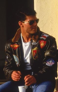 "The stylish Tom Cruise jacket from the movie ""Top Gun"" now at a very amazing selling price at Xtreemleather. Available in Synthetic and Real leather with Black and Brown Fur Collar. Avail the Top Gun Tom Curies Jacket now. Top Gun Film, Top Gun Movie, Tom Cruise, Beau Film, Kelly Mcgillis, Pilot Leather Jacket, Leather Jackets, Navy Air Force, Flight Bomber Jacket"