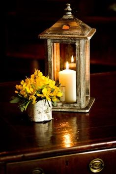 rustic yet chic, love the birch and the candle.