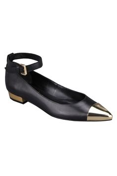 love the metal detailing and ankle strap on these flats from Romwe.com!