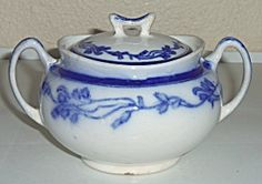 J & G Meakin Flow Blue Ring Of Flowers Sugar Bowl W/Lid