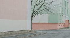 Marietta Varga est une photographe hongroise passionnée par la photographie architecturale et conceptuelle. Sa série «My Town vol. II» est un hommage à s