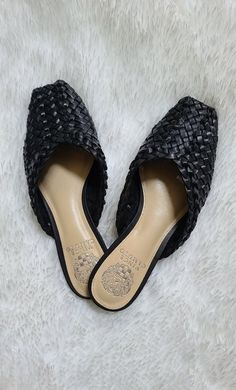 Vince Camuto mules #nsale #nordstrom #nordstromanniversarysale #nsalefashion #nsaleshoes #nsalefall #nsalefalllooks #nsalefallfashion #vincecamuto #LTKunder100 #LTKshoecrush #ltksale Fall Months, Warm Weather Outfits, Vacation Style, Nordstrom Anniversary Sale, Spring Trends, Bold Prints, Fall Looks, Wedding Season, Get Dressed