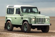 17 Photos That Will Make You Want A Land Rover Defender Heritage Edition - Airows Land Rover Defender 110, Defender 90, Offroad, Automobile, Best 4x4, Landrover, Dream Cars, Classic Cars, Illustration