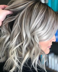 Icy blonde sweeps # fashionshoot - All For Hair Cutes Ice Blonde Hair, Silver Blonde Hair, Blonde Hair Looks, Platinum Blonde Hair, Icy Blonde, Icy Hair, Blonde Foils, Gray Hair Highlights, Balayage Highlights