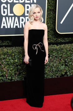 Dove Cameron attends the Annual Golden Globe Awards, Arrivals, Los Angeles, USA – Jan 2018 (REX/Shutterstock) Golden Globe Award, Golden Globes, Dove Cameron Style, Formal Looks, Red Carpet Fashion, Fashion Pictures, Celebs, Celebrities, Strapless Dress Formal