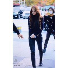 "[preview] Krystal for ""Cultwo Show"". --- ©Soojunga_com --- #fx #krystal #krystaljung #jungsoojung #soojung #수정 #에프엑스"